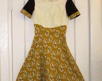 Vintage Style Print Dress, size Small