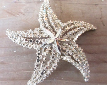 Fantastic Star Fish Brooch/Gold Tone and Rhinestone Starfish Pin/Ladies Lapel or Purse Pin/Starfish Collector Brooch
