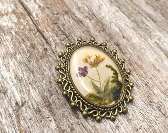 Brooch pin for her, nature jewelry, unique brooch bouquet, brooch pins, real flower pins, pressed flower pin brooch, cool gifts for women
