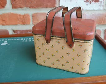 Vintage Child's Rustic Tin Lunch box/Pail