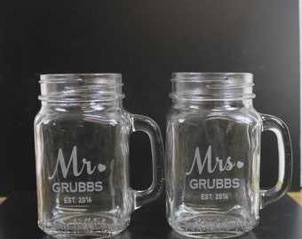 Mr and Mrs/Mason Jar Mugs/Custom/Surname/Date/Engraved/Bride and Groom Glasses/Heart/Wedding Glass/Wedding Decor/Shower Gift