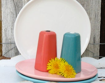 Vintage Salt and Pepper Shakers, 1950s Salt and Pepper Shakers in Pink and Aqua