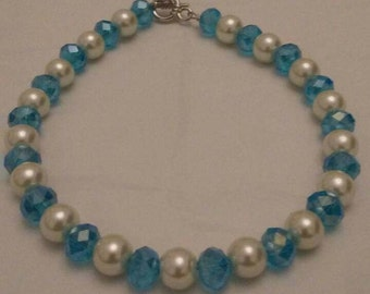 White pearls and Crystal Glass Beads Memory Wire Bracelet