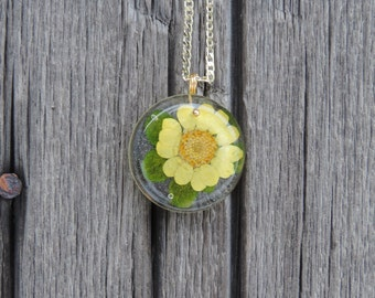 Yellow Flower with Leaves Necklace