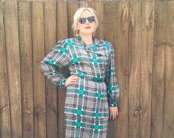 Plaid dress // black green quirky vintage dress // vintage sring checked dress // vintage mid length dress // 40s style