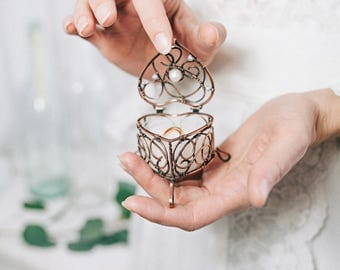Wedding ring box Heart - Ring Bearer Pillow alternative - Wire wrapped Jewelry box - Bohemian wedding - Bridal shower gift for bride