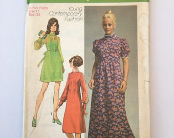 Vintage Sewing Pattern, 1970's Simplicity Dress Pattern, Young Contemporary Fashion, Vintage Haberdashery, Size Junior Petite ,Size 11 Bust