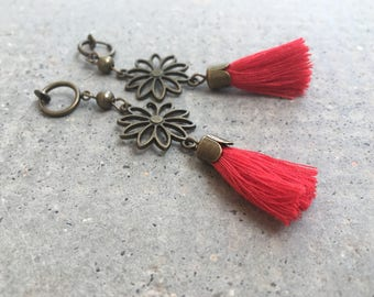 Long earrings CLIPS, red Pompom, flower metal bronze