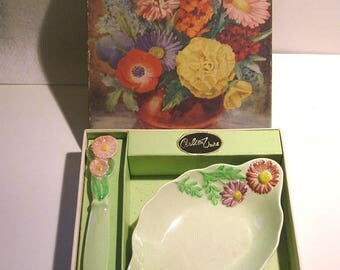 Rare Deco Carlton Ware Green 'Pyrethrum' Butter Dish and Knife in Original Gift Box c1939