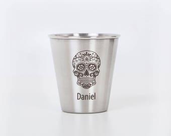 6 Sugar skull shot glasses. Wedding favir. Day of the Dead.  Set of 6 Personalized cups.  Groomsmen gift ideas. 1.7 oz / 50 ml