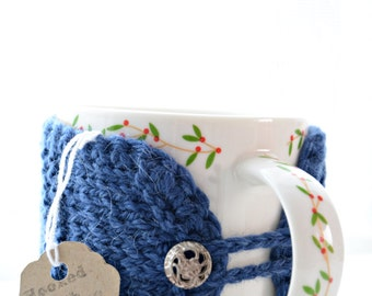 Coffee cup cozy. Mug warmer. Natural wool blue cup sleeve. Tea cup cozy vintage silver buttons.