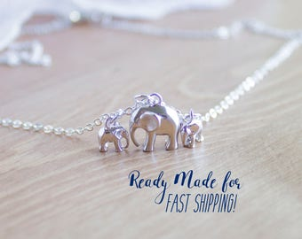 Mama and Baby Elephant Necklace - Silver Mama Elephant Jewelry - Gift for Mom Necklace - Baby Elephant Jewelry - Mom and Baby Necklace