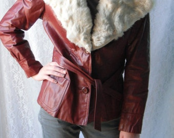 Cool Vintage 70's Leather Jacket Fur Collar Burgundy Maroon White Belted Size S M Foxmoor Coat Rust Red Brown