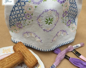 Hand Embroidered Vintage Tea Cosy - Vintage Decorative Floral Linen Teacosy - Afternoon Tea - Cream Linen Purple Blue Green - Daisies Blue