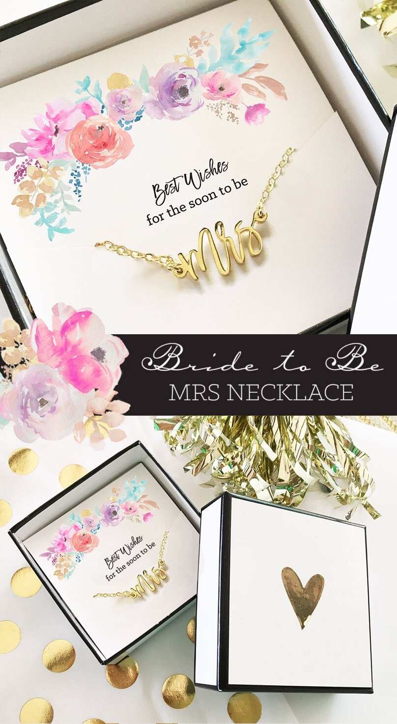 As the bride walks down the aisle you want to be focused on the happy couple, not about how you forgot to buy a wedding gift. With our huge selection of personalized presents, you'll find the perfect memento for any pair of newlyweds.