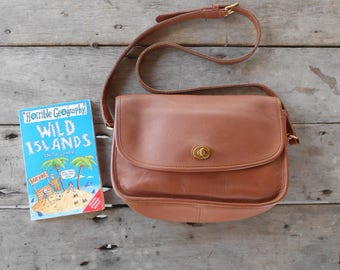 Vintage COACH Bag No. C9B-9790 / British Tan / Leather Messenger Bag , Crossbody , Shoulder / Medium / Authentic / Real Leather /