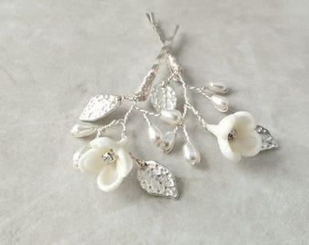 Bridal hairpin, Wedding hairpins, Floral hairpin set, Flower wedding hair piece,Leaf hairpiece, White bridal hairpins, Bridesmaids gift