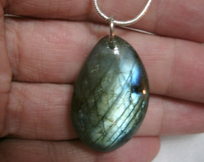 Labradorite Necklace, Blue Flash, Green Flash, quality stone, polished, Pendant Necklace, oval double sided shape, handmade jewelry gifts