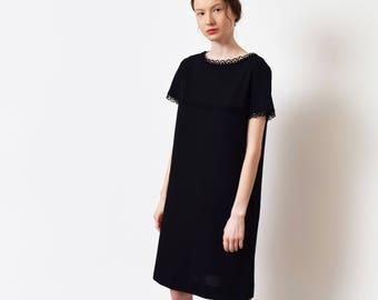 1960s Black Knit Shift Dress 60s Vintage Wool Sweater Dress Crochet Trim Short Sleeve Mod Preppy Minimal Minimalist XS S