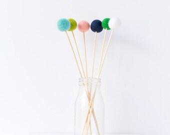 Wool Felt Ball Flowers. Pom Pom Flowers Posy. Wool Craspedia. Billy Buttons Balls. Home Decor. Felt Ball Posies. Navy Blue Mint Green Peach
