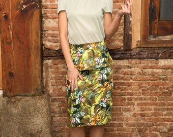 Tropical print peplum skirt