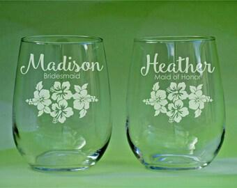Hibiscus Wine Glass, Hibiscus Flower, Beach Wedding, Hawaiian Wedding, Tropical Flowers, Bridesmaid Wine Glass, Etched Bridesmaid Glasses