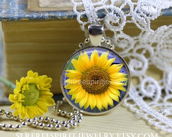 Sunflower Necklace, Sunflower Earrings, Photo Glass Necklace, Floral Accessory, Sunflower Silver Pendant, Gift for Women, Gift for Mom