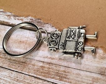 Robot Keychain - Silver Tone Metal - Novelty Nerd Key Ring - Sci Fi Gift