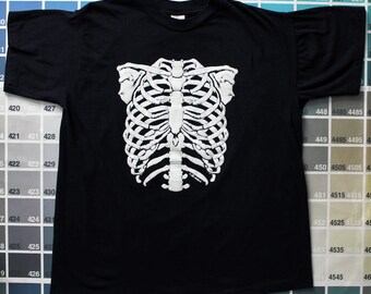 Vintage skeleton shirt | Halloween t shirt | spooky gifts | black tees women | creepy shirt | anatomy t shirt | glow in the dark clothing