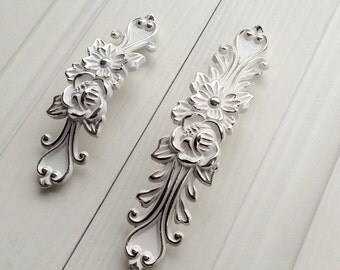 Shabby Chic Drawer Pulls Handles Dresser Knobs Pulls Handles White Silver  Kitchen Cabinet Handles Pulls Antique