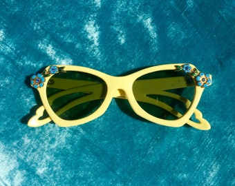 Rare 1950s Floral Embellishment SunGlasses/ Mad Men Glasses / Schiaparelli style / Excellent
