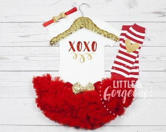 Baby Girl Valentines Outfit, Girls Valentine Onesie, First Valentine Outfit, Valentine Onesie, First Valentines Onesie, Valentines Day, xoxo