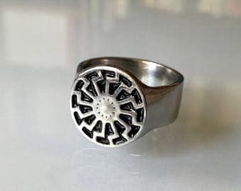 Black sun ring |Sonnenrad ring |Sun Wheel ring |Sun Wheel jewelry |Sun Wheel symbol |Handmade German men's ring.