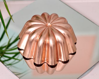 Vintage Copper-Colored Jello//Cake Mold - Mid-Century Design!