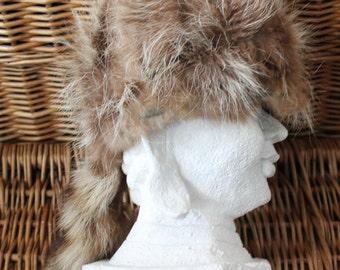 Raccoon tail hat/Coon skin hat/Fur hat/Davy Crokett hat/Fur cap/Daniel Boon hat