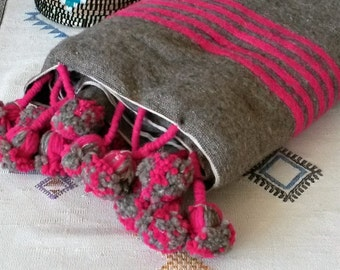 Cover Berber wool with pompons - handmade