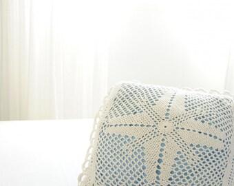 Pillow cover. Handmade pillow. Throw Pillow. Decorative pillow. White knit pillow 45x45cm. Knitted pillow cover. Baby. Mariage. Kids.