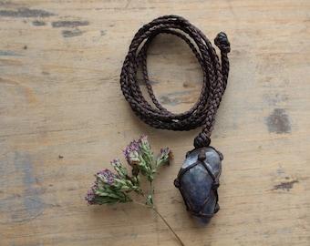 Macramé Iolite necklace