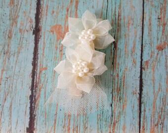 Ivory flowers hair clip