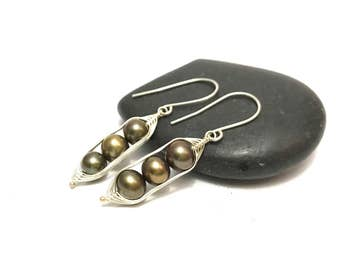 Pea pod earrings  //  Three peas in a pod with bronze forest green fresh water pearls Pea pod jewelry, triplet jewelry // great gift for mom