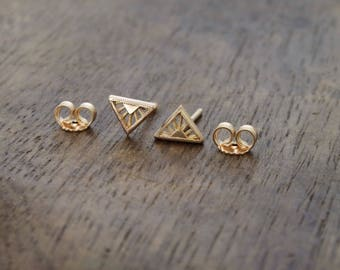 Tiny Art Deco 18k gold triangle stud earrings - tiny yellow gold studs - tiny rose gold stud earrings