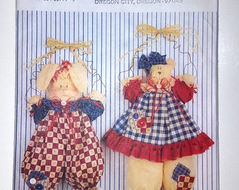 Wall hanging Butterick Pattern #4312, wall hanging dolls with non-removable clothing, Maybeary and Muffin