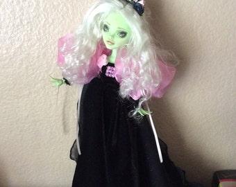 Monster Doll High Repaint.  Desdimona