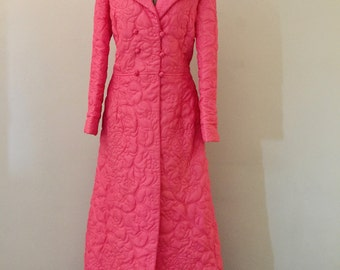 1950s Womens Robe - Vintage 50s Quilted Pink Housecoat - Dressing Gown