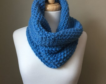 Chunky Cowl, hand knit, Sky Blue