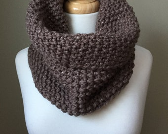Chunky knit cowl in taupe with silver