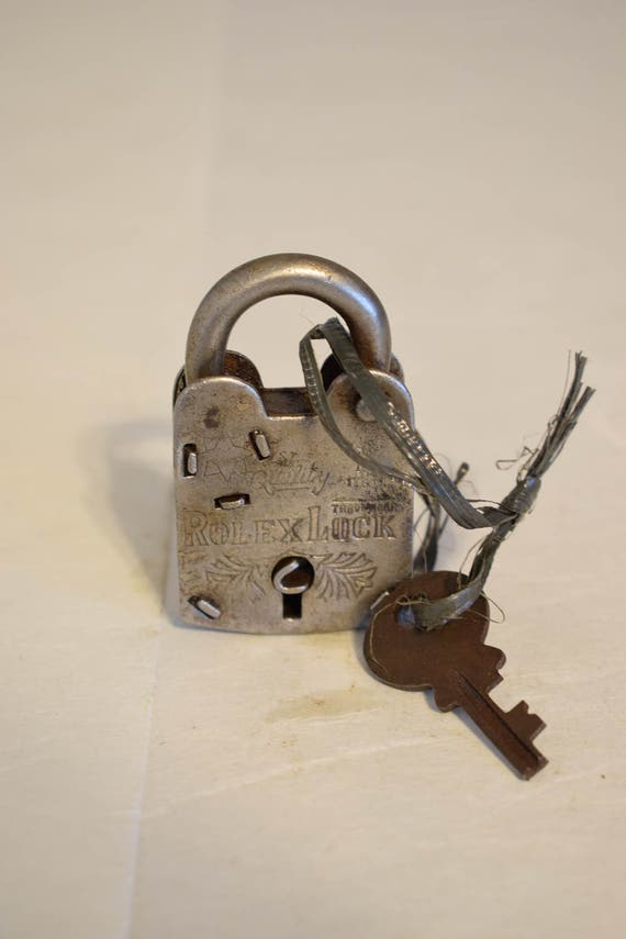 India Padlock Large Hand Fordged Metal Handmade Trunks Locker Paperweight Metal Drawers Cabinets  Key Lock