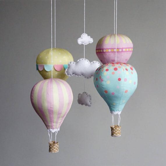 kinderzimmer dekor diy baby mobile bausatz hei luftballon. Black Bedroom Furniture Sets. Home Design Ideas
