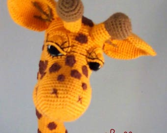 PDF pattern Giraffe April crochet amigurumi giraffe, English, Dutch and German and Arabic