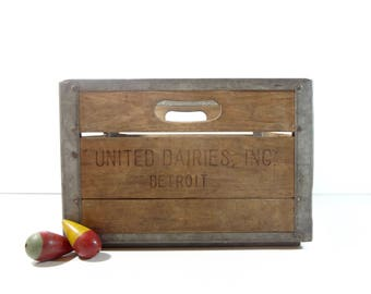 Vintage Dairy Crate / Metal and Wood United Dairies Detroit Milk Crate / Rustic Storage